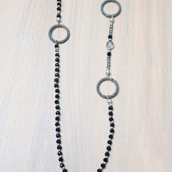 NECKLACE WITH BEADS AND RINGS
