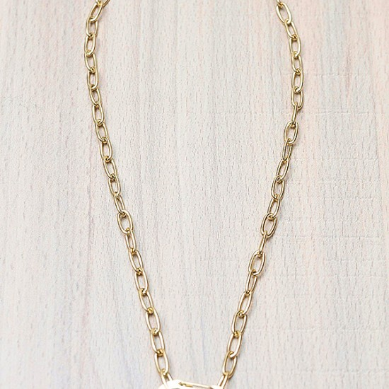 SHORT NECKLACE WITH MOTIF