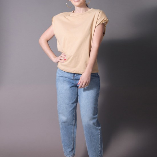 SLEEVELESS TOP WITH CHAIN DETAIL